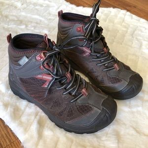 Merrel Brown Hiking Boots Size 1 M